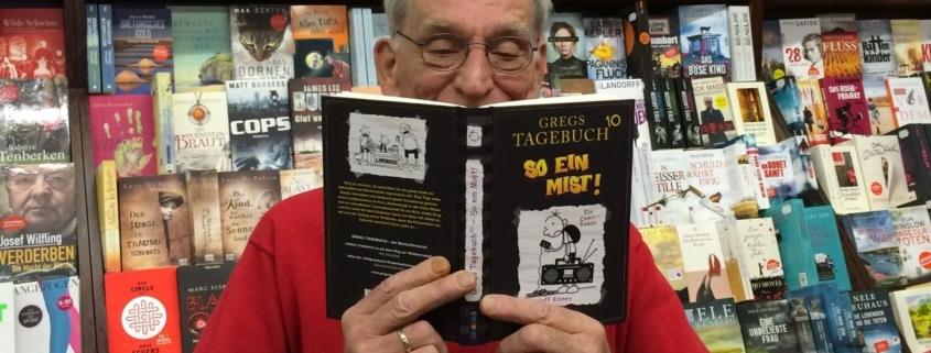 Erwischt - wer liest denn da schon in den neuen Greg 10 rein?